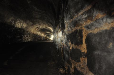 Tunnel_tour10.jpg