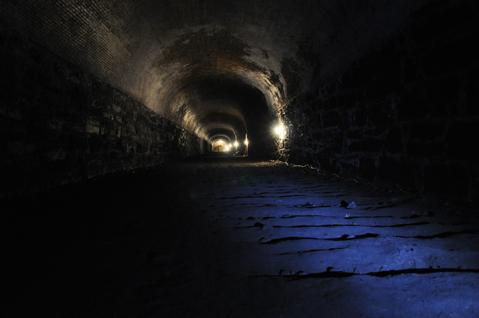Tunnel_tour11.jpg