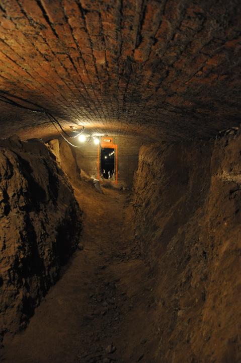 Tunnel_tour3.jpg