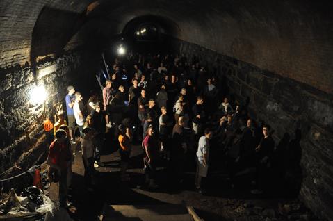 Tunnel_tour4.jpg