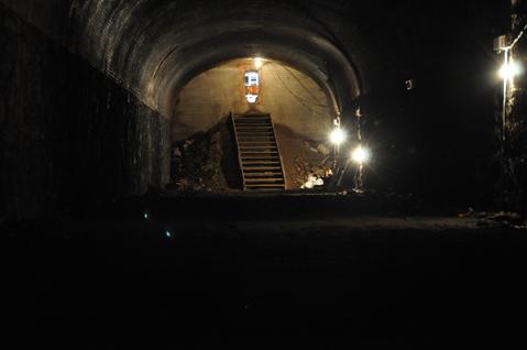 Tunnel_tour6.jpg